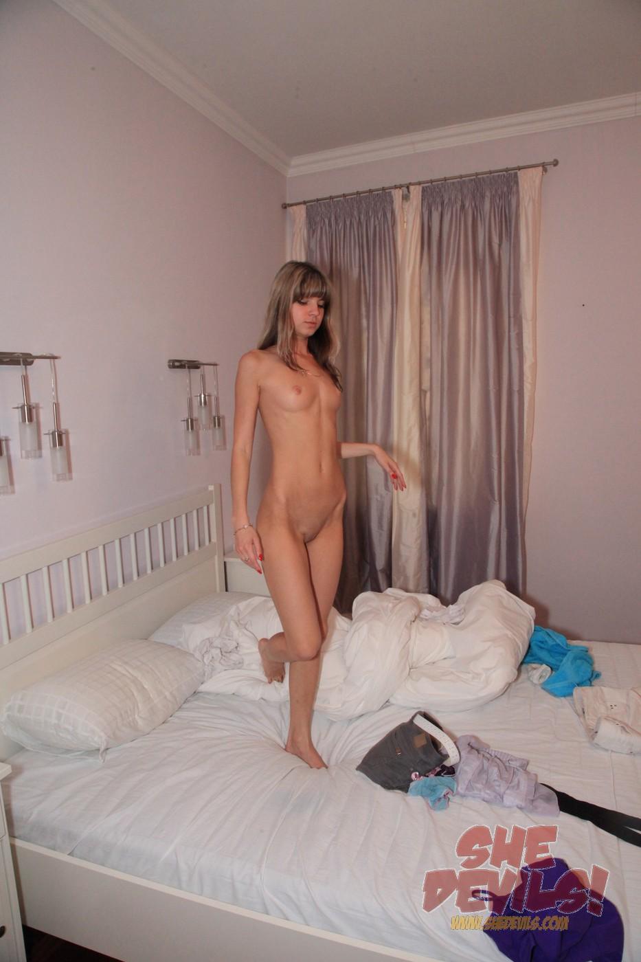 desi nude girl little pussy